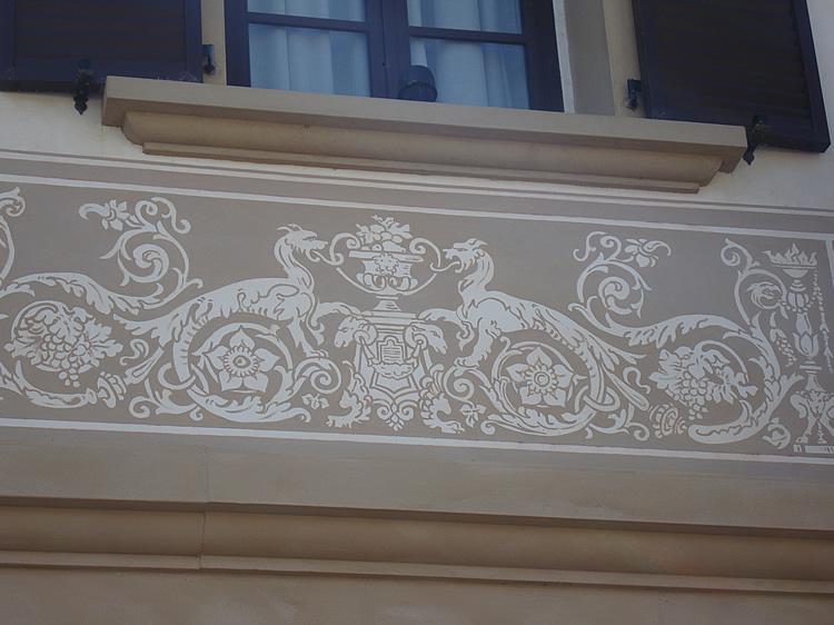 Decorazioni su muri esterni idea creativa della casa e for Decorazioni pareti casa